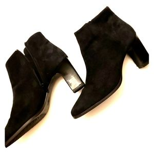 AEROSOLES  new SUEDE beautiful SHOES